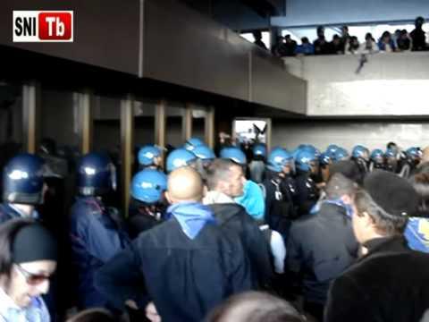 Manifestazione MPS. Ciò che è davvero successo prima che la polizia caricasse i manifestanti.
