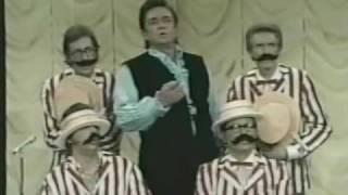 Watch Johnny Cash Everybody Loves A Nut video