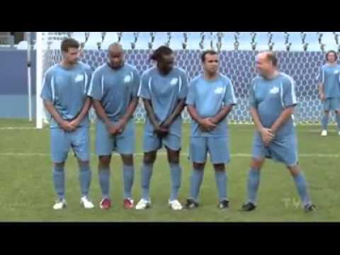 Bir Adamı Futbol Topu Bu Kadarmı Çeker - Komik Futbol Videosu