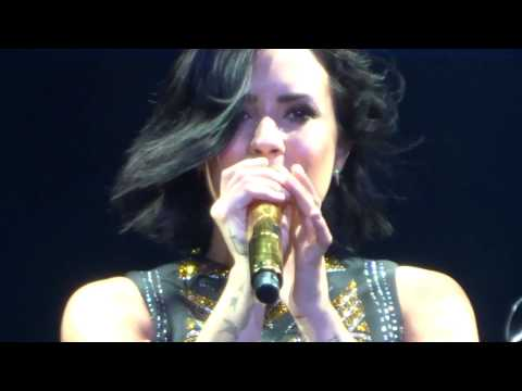Demi Lovato - Skyscraper + Give Your Heart A Break: Live in Manila