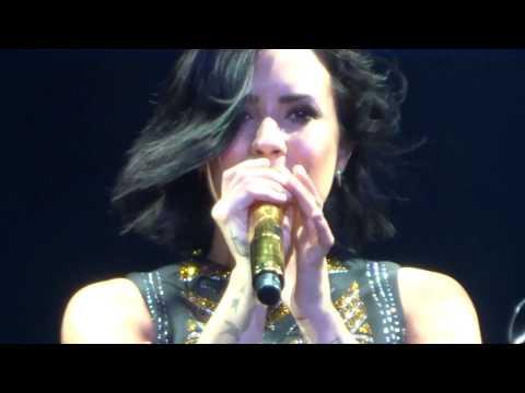 Demi Lovato - Skyscraper + Give Your Heart A Break: Live in Manila
