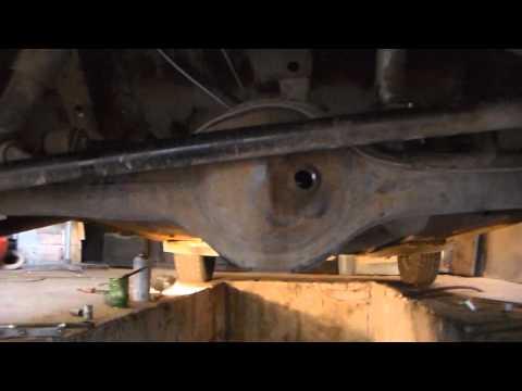 Видео как проверить масло в мосту