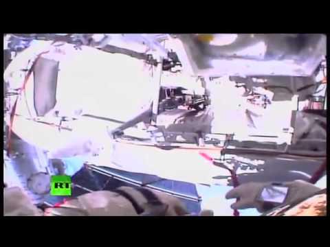 Выход в открытый космос   Space walk live