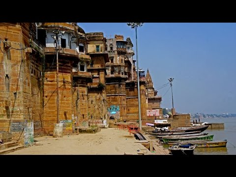 Walking in Varanasi (India)