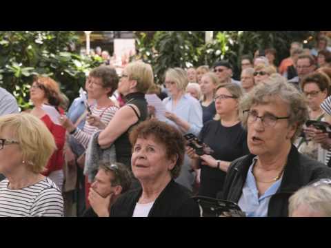 Download  Beethoven: Ode to Joy & Sibelius: Finlandia - Sing Along Concert Gratis, download lagu terbaru