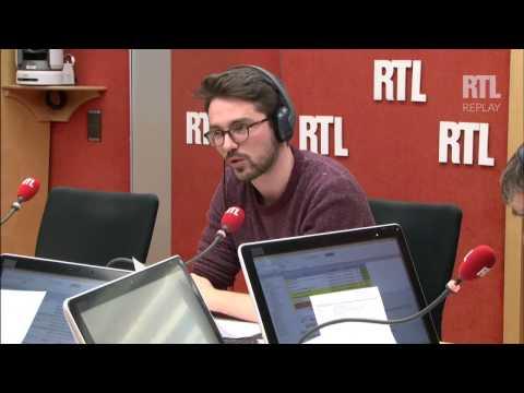 Jean-Yves Le Drian fait rire le web avec sa photo ratée devant les pyramides