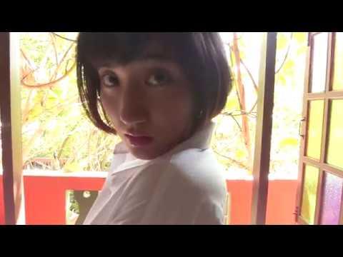 紗綾-ノーブラでYシャツからおっぱいの谷間をエロ可愛いに見せる画像