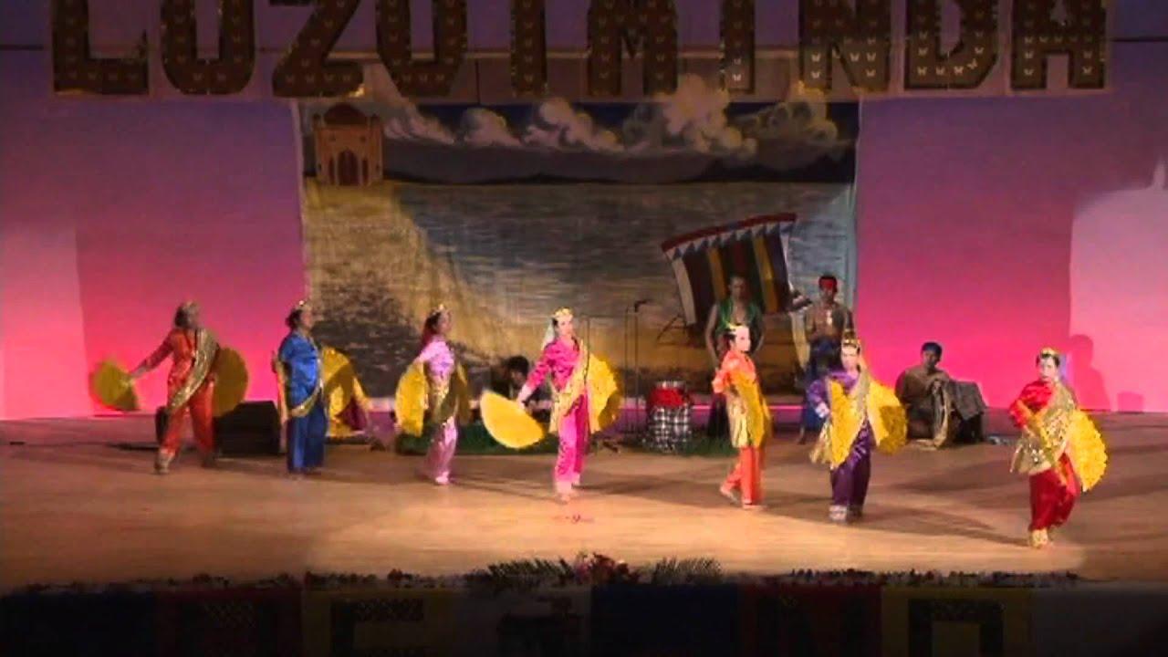 Muslim Fan Dance