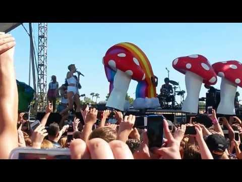 Miley Cyrus iHeartRadio 2013