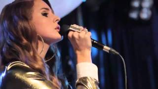 Lana Del Rey performs Blue Jeans live at The Scala Club [Lanaboards.com exclusive]