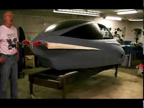 Aerodynamic ,tear drop shaped 3 wheeled car.Zoleco video 2