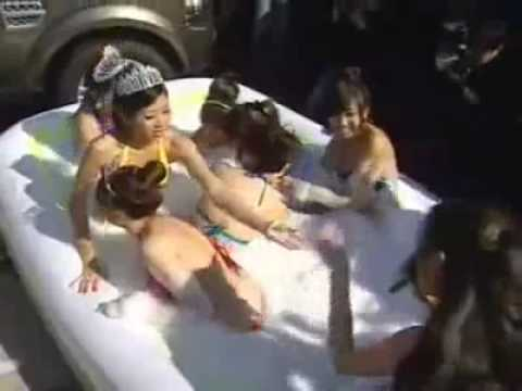 Taipei Motor Show - Taiwanese race queens battle out in bubble bath