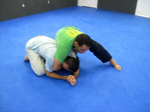 jiu jitsu no gi head and arm clock choke