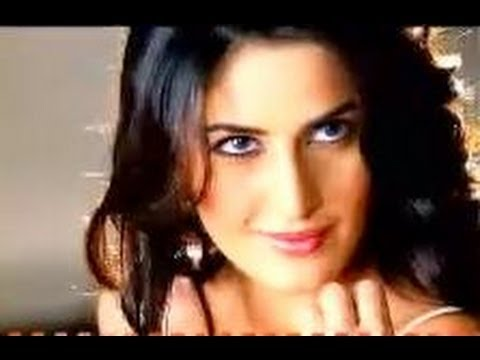 Katrina Kaif's Sexy Seductress Image, Kareena Kapoor's Passion & Temptations, & More video