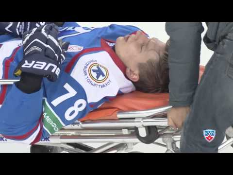 Стулов получил травму после броска Хартикайнена / Stulov was admitted to hospital
