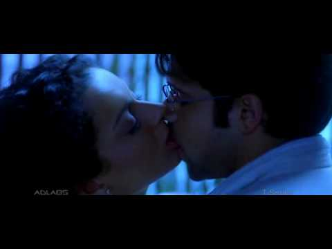 Imran Hashmi Kissing Kangana Ranaut In The Movie  Gangster video