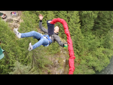 BACKFLIP BUNGEE JUMPING WITH JUSTIN BIEBER! (200 FEET)