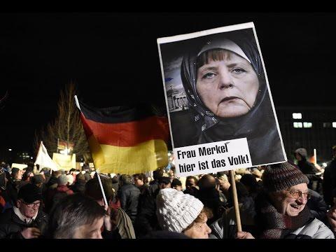 Кризис в Германии: Меркель предложили покинуть страну вместе с беженцами
