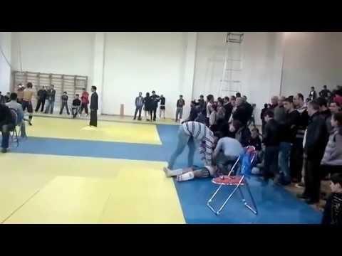 Вот это нокаут! (Кикбоксинг)/Here is a knockout! (Kickboxing)