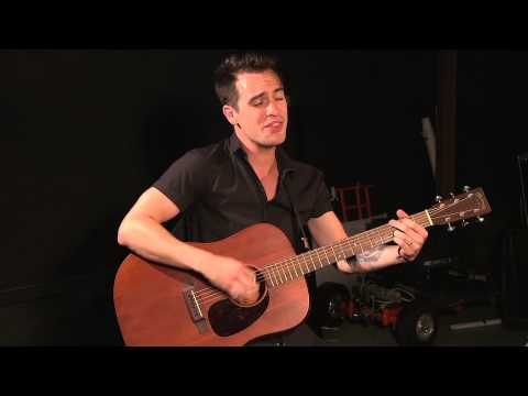 Panic! at the Disco - Girls/Girls/Boys (Acoustic)