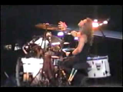 Metallica - Lars Ulrich and James Hetfield drum solo