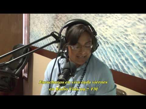 Pastora Lilian Lujan en Radio Vida 99.7 FM Dodge City Kansas