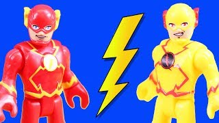 Imaginext Flash \u0026 Reverse Flash Speedsters Time Travel To Rescue Superheroes Batman \u0026 Superman