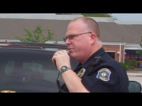 Cop Intimidates Citizen For Videotaping Police Vehicle Search