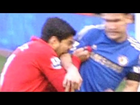 Luis Suarez vs Ivanovic Luis Suarez Bites Ivanovic