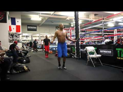 J'Leon Love jump rope work at The Mayweather Boxing Club Image 1
