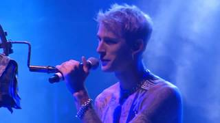Download Lagu Machine Gun Kelly brings his daughter Casie on stage & performs 27 live | Est fest 2017 |Butler Ohio Gratis STAFABAND