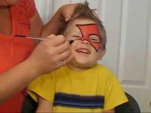 فن الرسم على وجوه الأطفال (رسم شبكة سبيدرمات على وجه طفل)