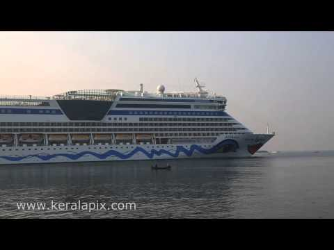 Cruise Ship AIDAdiva   Kochi