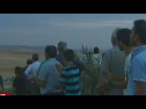 Live anti-ISIS firefight on Turkey border