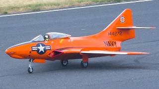 AMAZING RC JET GRUMMAN F-9F COUGAR SCALE MODEL DISPLAY FLIGHT / Jet Power Fair 2016