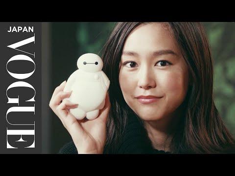 桐谷美玲のバッグの中身は?必見のプライベートなビューティーTIPS。  In The Bag   VOGUE JAPAN