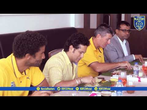 Hero ISL Kerala Blasters players and Sachin Tendulkar enjoy traditional lunch