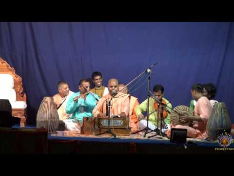 2013 Mayapur - H.g. Muktidata Prabhu Sings jai Sri Rama. video