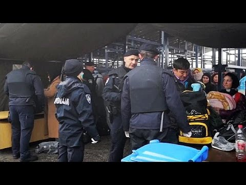 مرکل: پذیرش پناهجویان در آلمان محدود می شود
