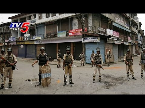 Kashmir Unrest | Curfew Clamped in all 10 districts of Kashmir ahead of Friday Prayers | TV5 News