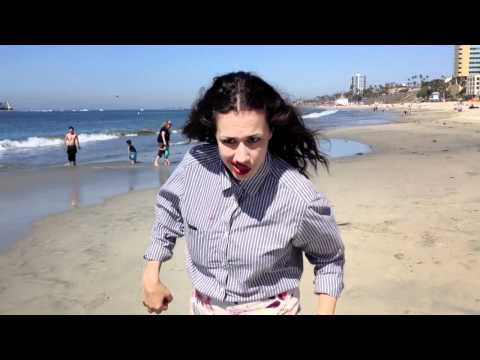 STARSHIPS MUSIC VIDEO - Miranda Sings