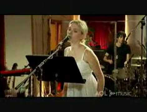 Scarlett Johansson - Who Are You (Live @ AOL Sessions)
