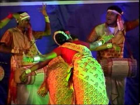 Bihu Assamese Dance - Edakkal Utsavam Sulthan Bathery Wayanad Kerala By Shirishkumar Patil video
