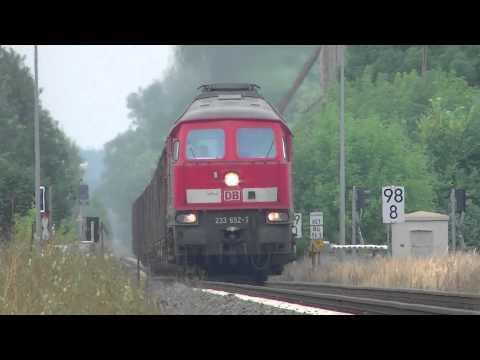 BR 233 652-7 Ludmilla DIESEL POWER mit langer Güterzug und Pfeifen in Casekow [HD]