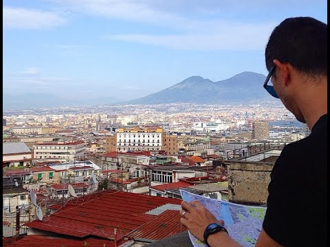 Naples Vlog: Pizza, Churches & Museums Galore!