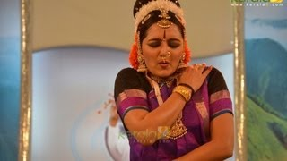 Manju Warrier Dance At Amma 60th Birthday Celebration Shobana Dance Performance At Amma 60th Birthday Celebration Amrithavarsham 60 (Mata Amritanandamayi Bir...