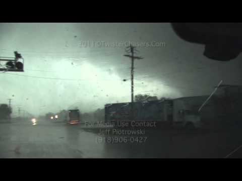 Devastating Joplin Missouri Ef 5 Tornado May 22 2011 And