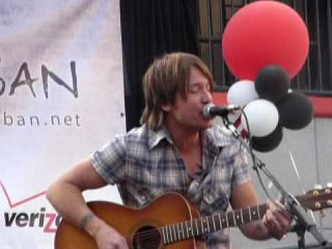 Keith Urban - Kiss a Girl - Live @ Verizon Store Pasadena