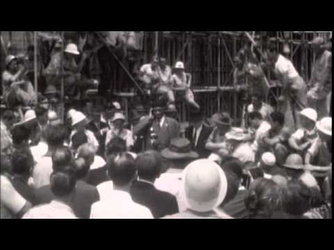 Paul Robeson sings for the workers at Sydney Opera House