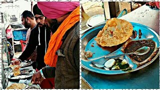 Punjabi people enjoying Chhole Bhature ₹20 only, Indian street food | street food and beverage